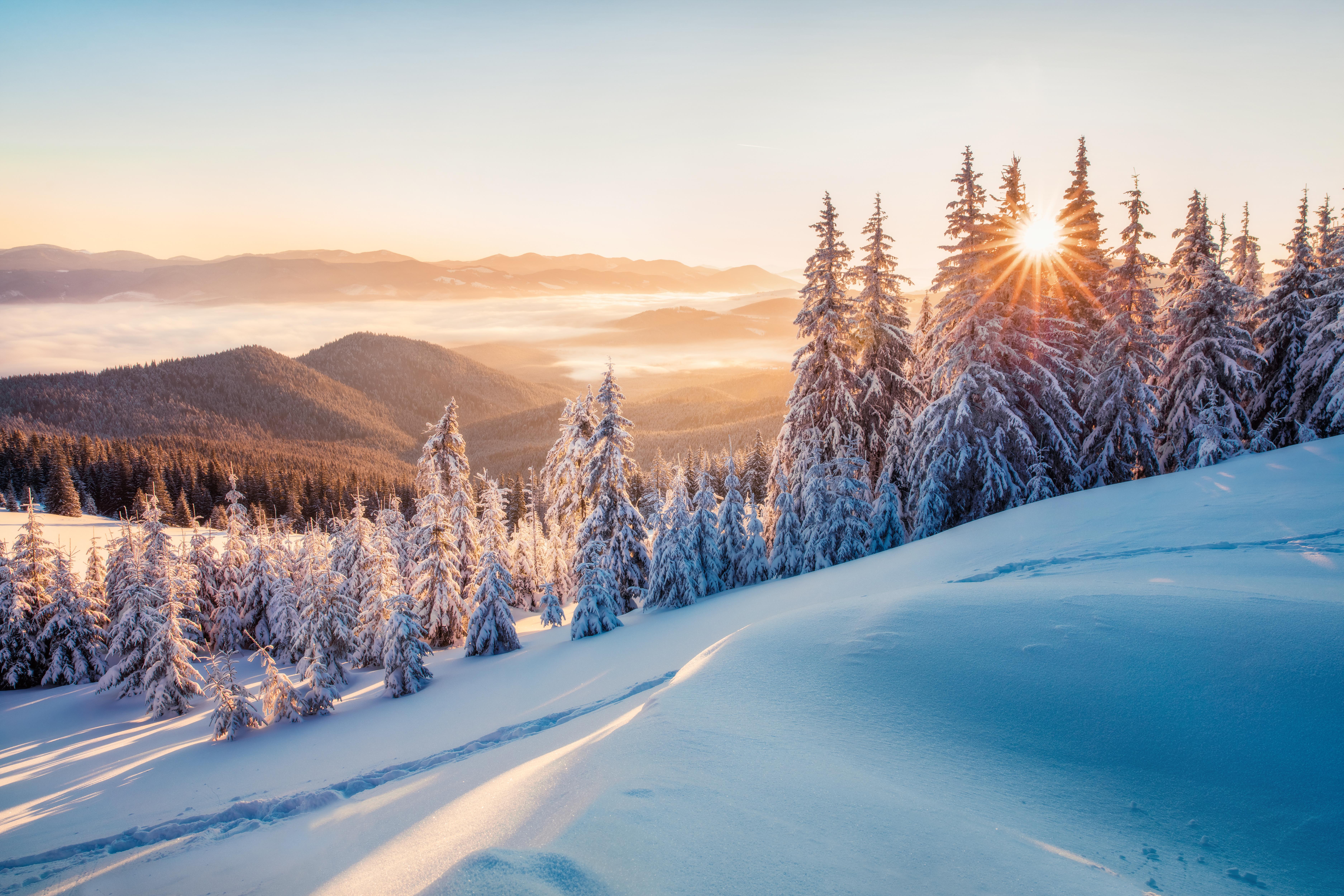 Schee Sonnenaufgang Berge