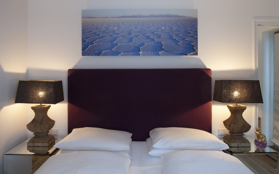 Bedroom Spa Suite