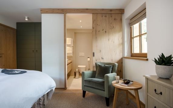 Apartment 5 Schlaf- und Badezimmer