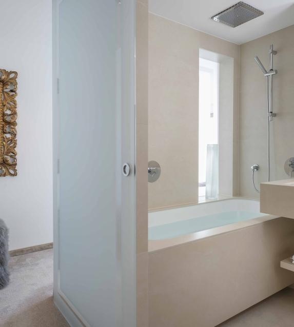 Suite mit zwei Schlafzimmern Badezimmer
