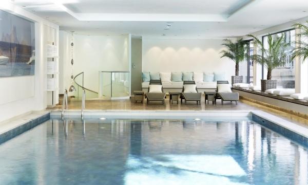 Wellnessbereich Pool