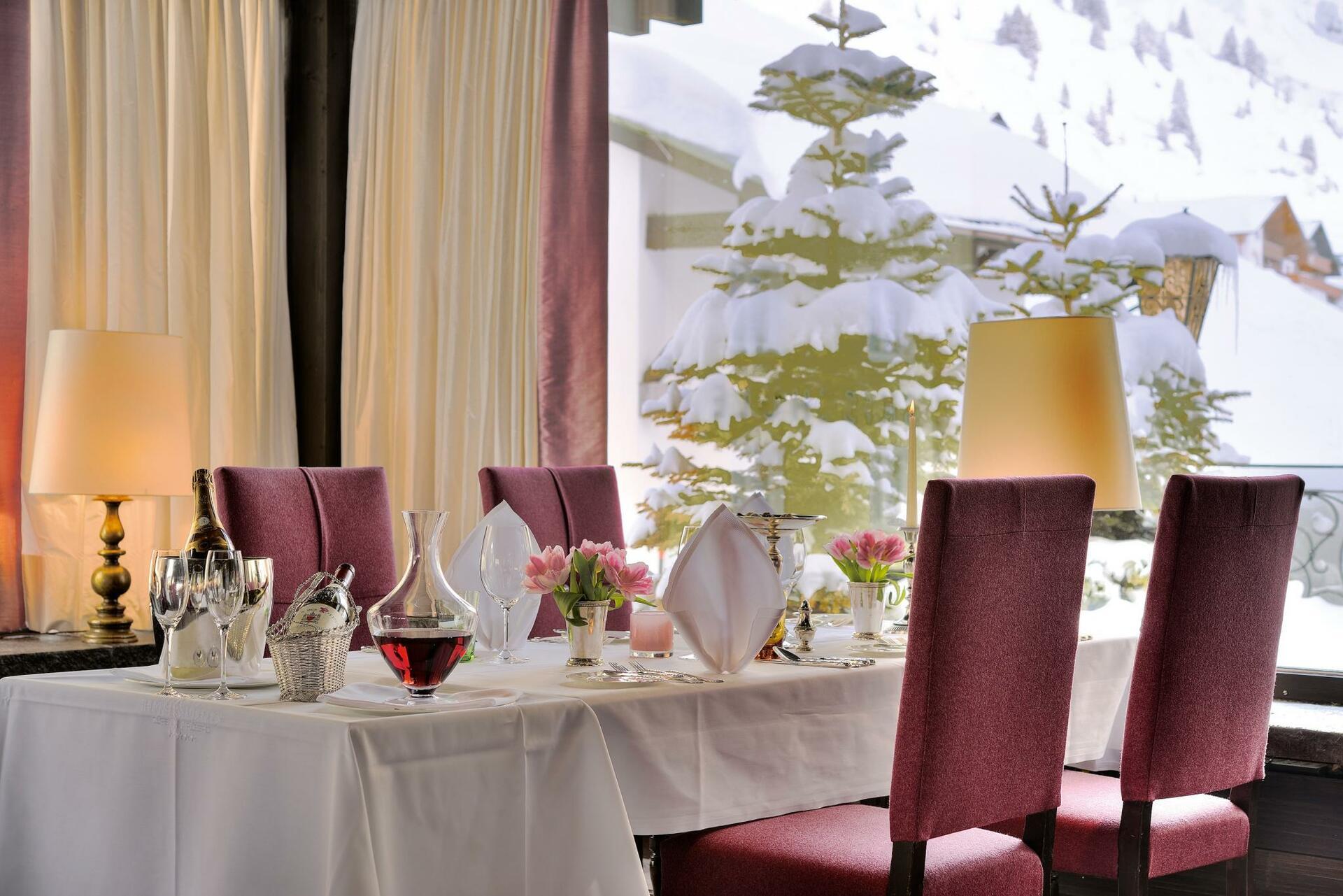 Restaurant Tisch gedeckt